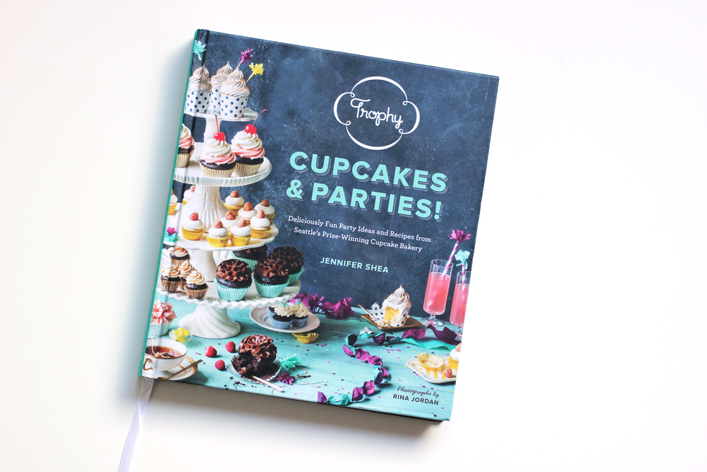 trophy cupcakes and parties book.JPG