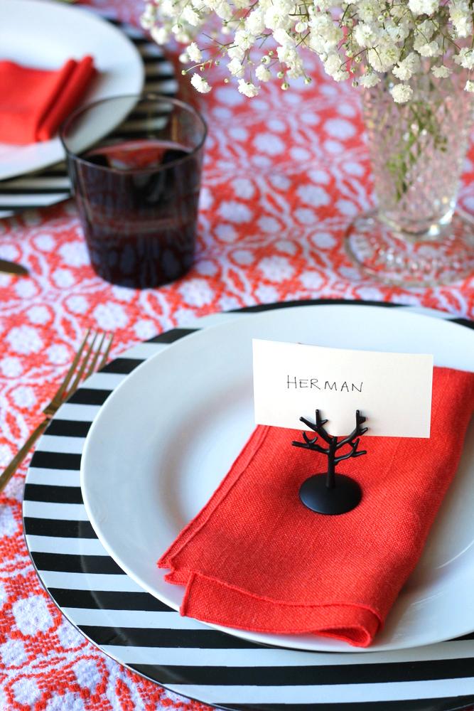 easy halloween table setting.JPG