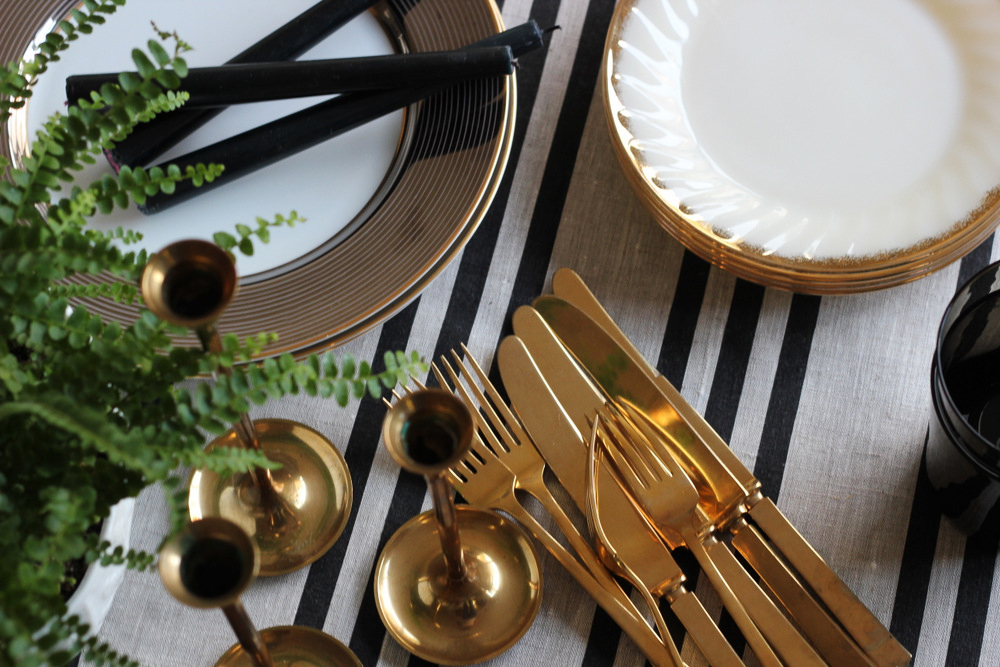 thanksgiving simple table setting .JPG