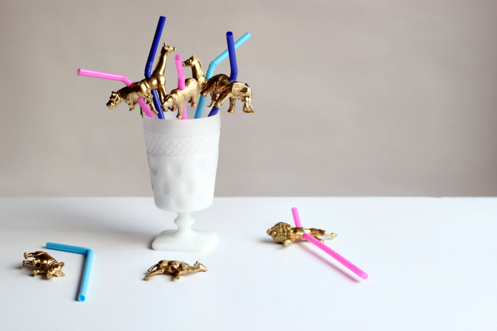 gold party animal straw toppers.JPG