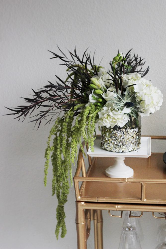 modern new years floral arrangement.JPG