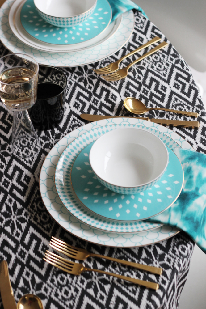 modern place setting holiday.JPG