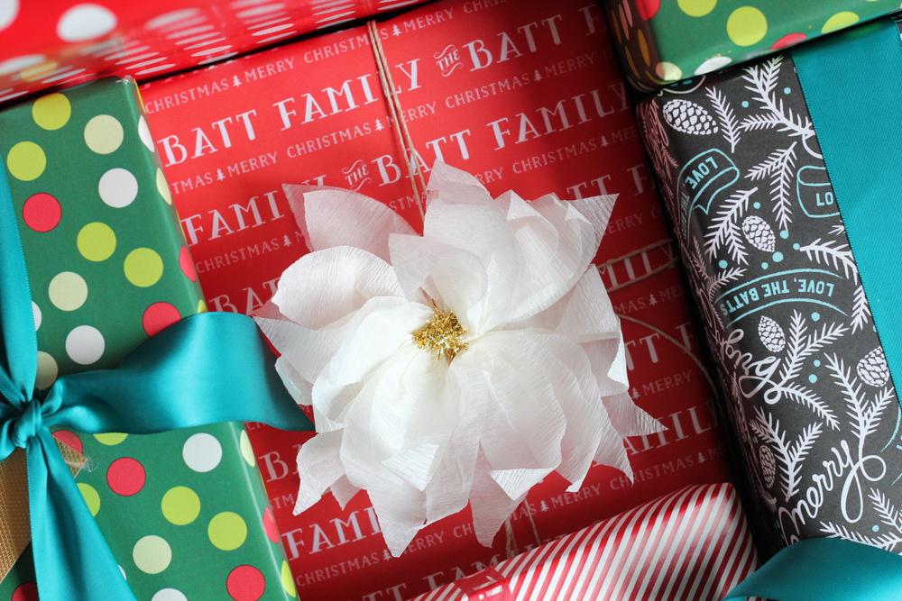 diy crepe paper poinsettia gift topper.JPG