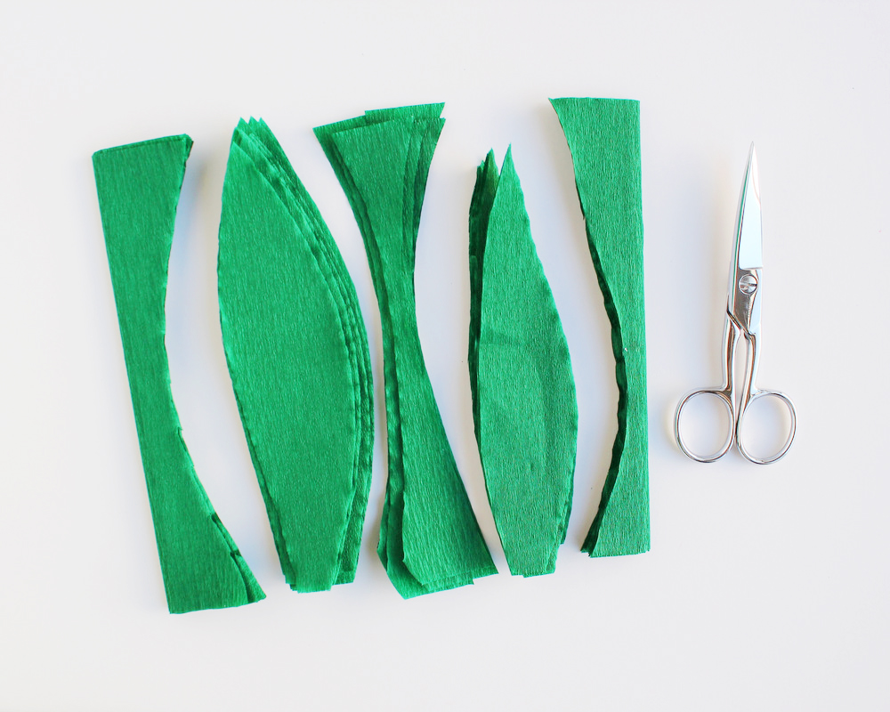 diy crepe paper leaf garland 2.JPG
