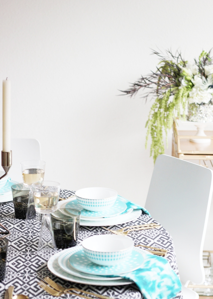 A Modern Holiday Table Setting New Year\u0027s Ideas  sc 1 st  Jenny Batt & A Modern Holiday Table Setting: New Year\u0027s Ideas \u2014 Jenny Batt