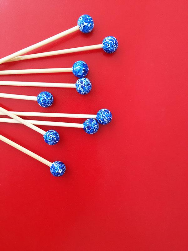blue-white-swizzle-sticks-diy.jpg