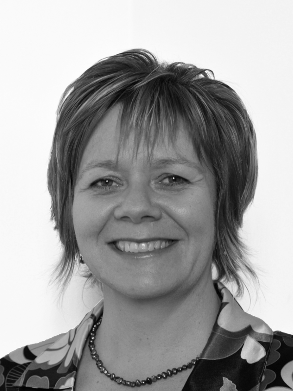 Liz Riversdale    Executive Coach