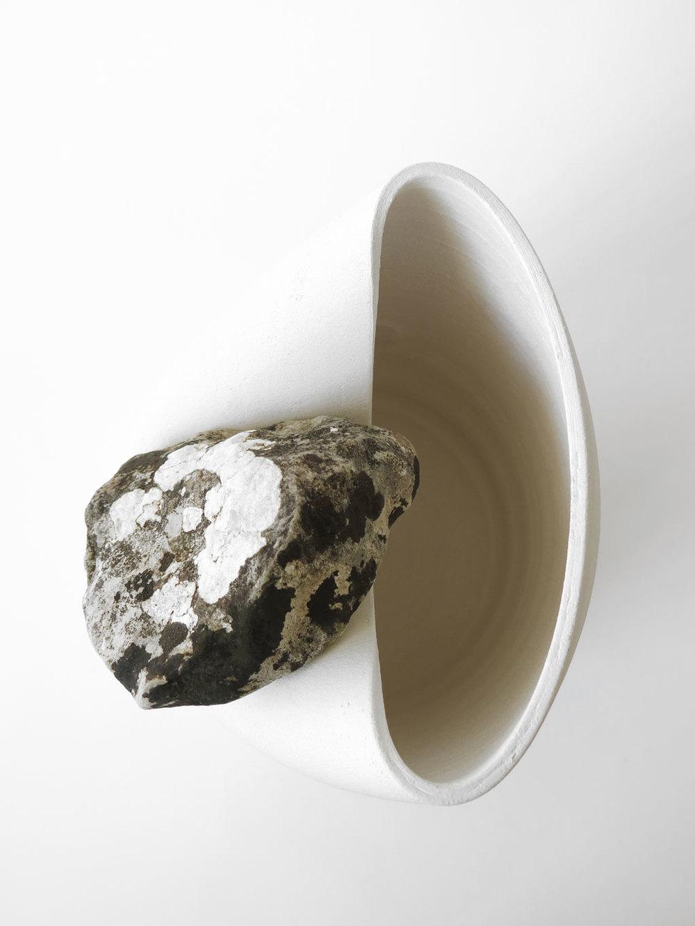 Martín Azúa Vase with alive stone