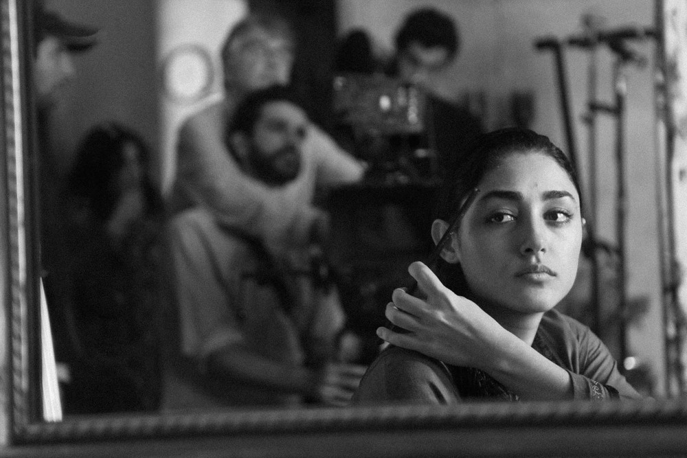 Operating a shot for Thierry Arbogast on the set of The Patient Stone with Golshifteh Faranhani.