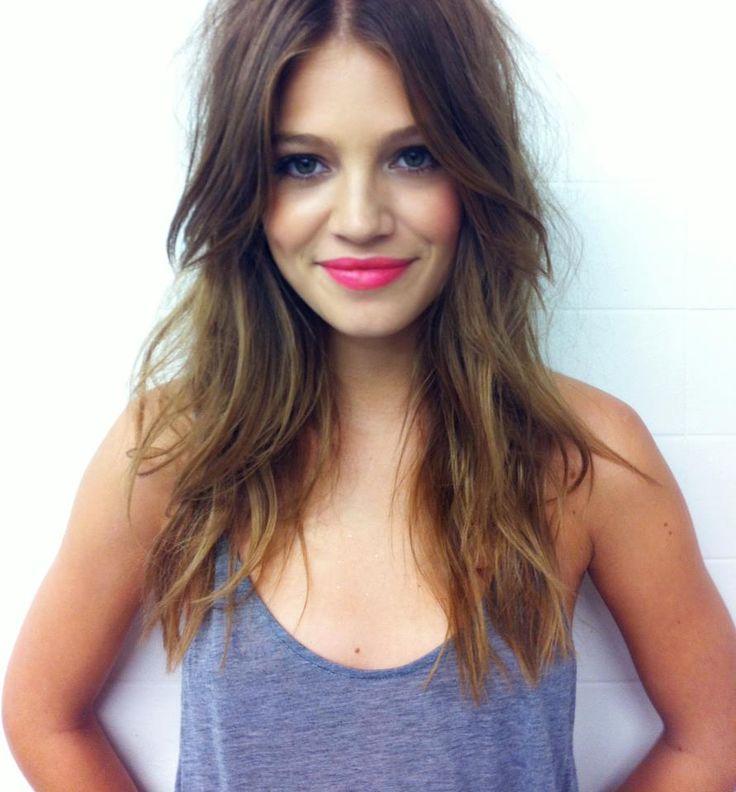 Messy hair pink lips.jpg