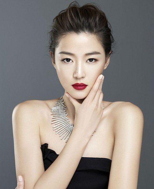 Cheon Song Yi.jpg