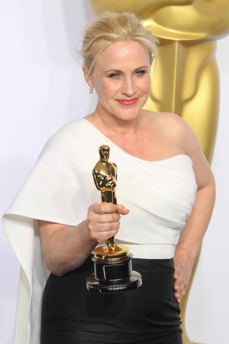 patricia Arquette with Oscar.jpg
