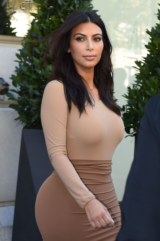 kim-kardashian-style-out-in-paris-september-2014_1.jpg