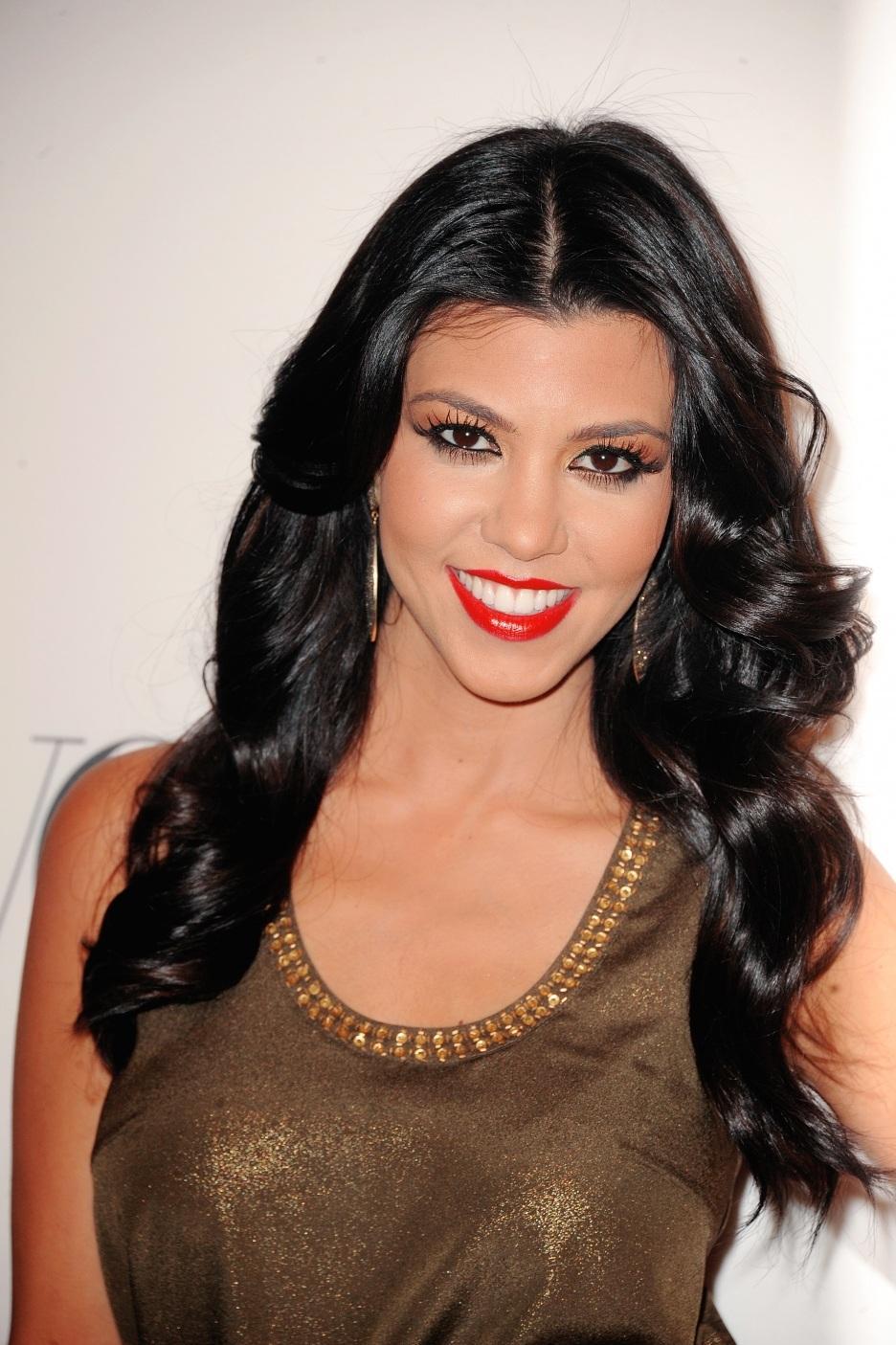 full-kourtney-kardashian-2062026031.jpg