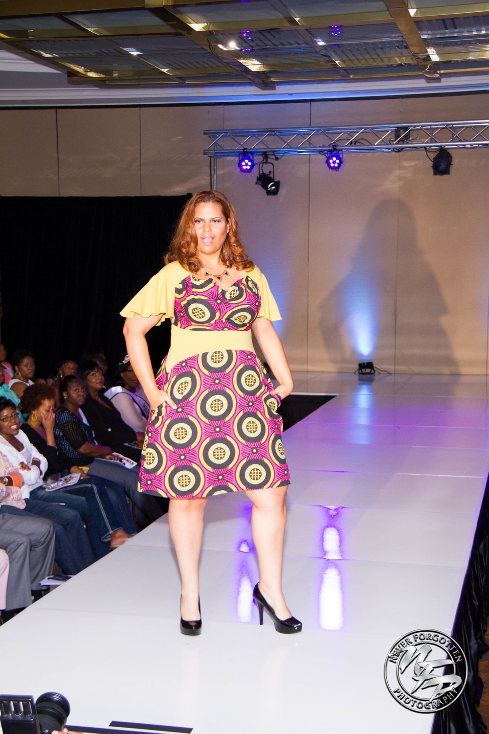 Panel Dress with sleeves in circle print on Vanessa Rosal