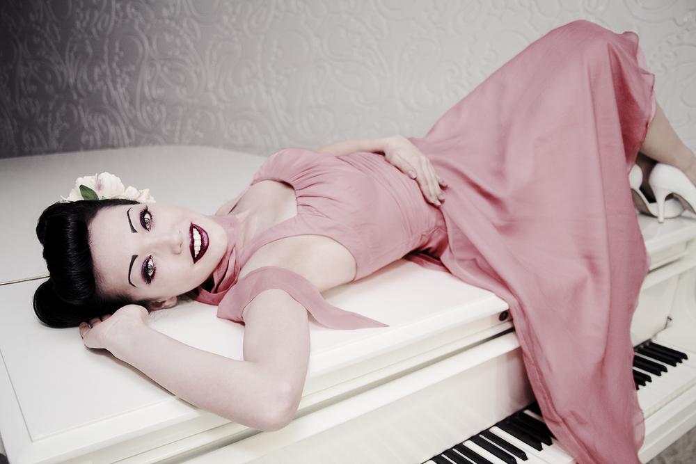 ESCH-BitsyRini-piano-vintage_11-01.jpg