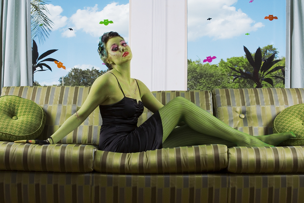 Pinup-monster_AJ-reclined_07.jpg