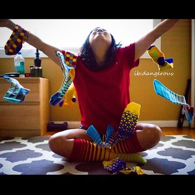 A throw back to one of my favorite pics from @ib.dangerous with a lil LYF socks explosion 💥 love it!! #LYFsocks #LoveYourFeet #socks #throwbackthursday #tbt
