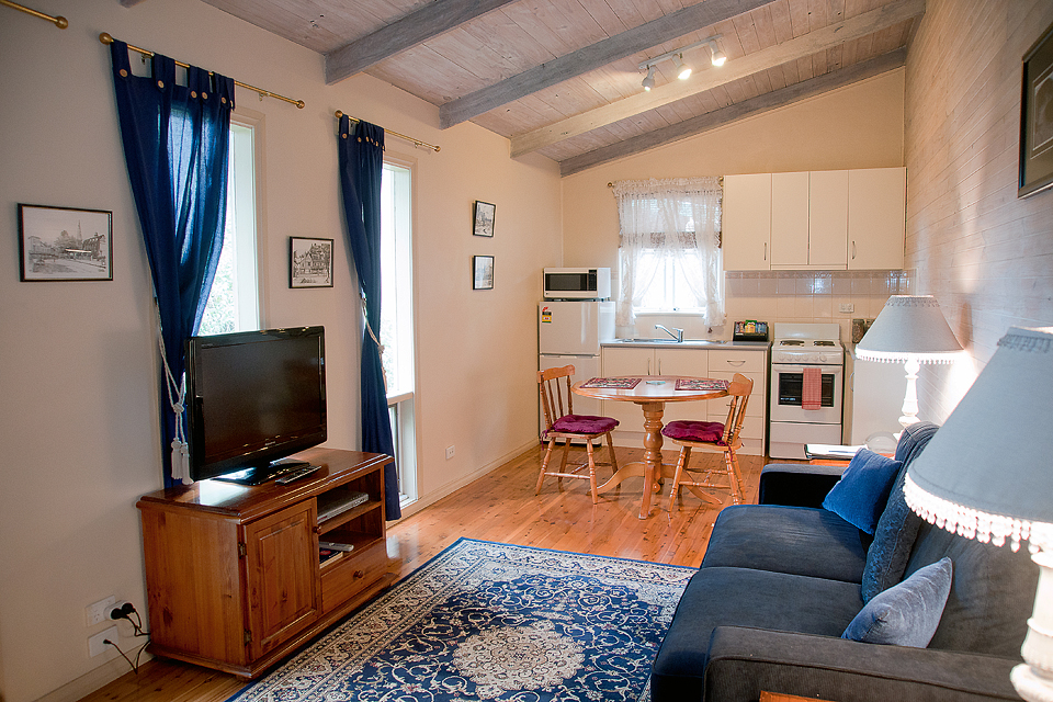 Clarendon_Chalets_Mount_Gambier_apartment _accomodation_12.jpg