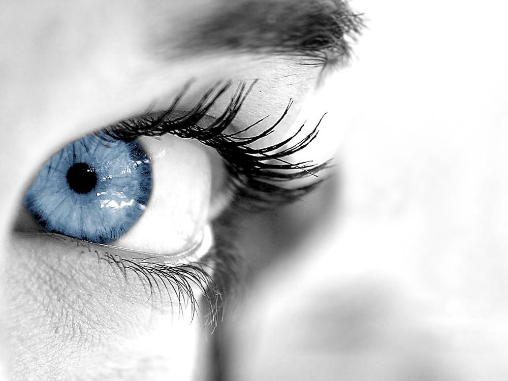 perfect-blue-eyes-wallpaper-11655.jpg