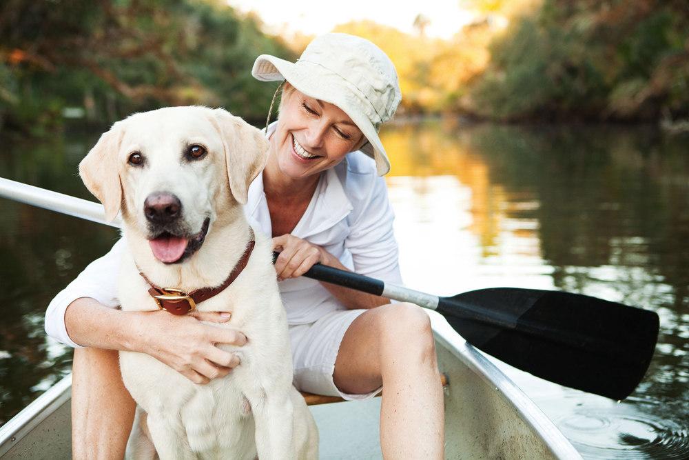 portfolio_lifestyle_verandah_women_dog_boat_8921wbsz.jpg