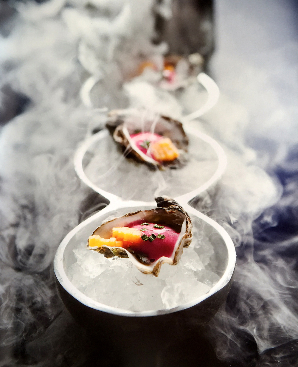 SEA_SALT_BOOK_BY_FABRIZIO_AIELLI_KUMAMOTO_OYSTERS_ON_A_FOGGY_DAY_IN_VENICE_DICH_PHOTOGRAPHED_BY_VANESSA_ROGERS_PHOTOGRAPHY