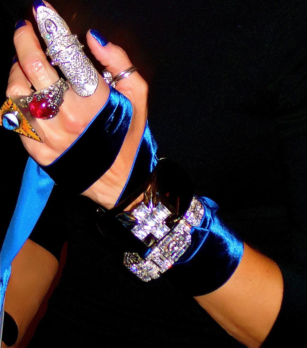 Rose Hartman - Daphne Guiness's Bejeweled Handno border.jpg