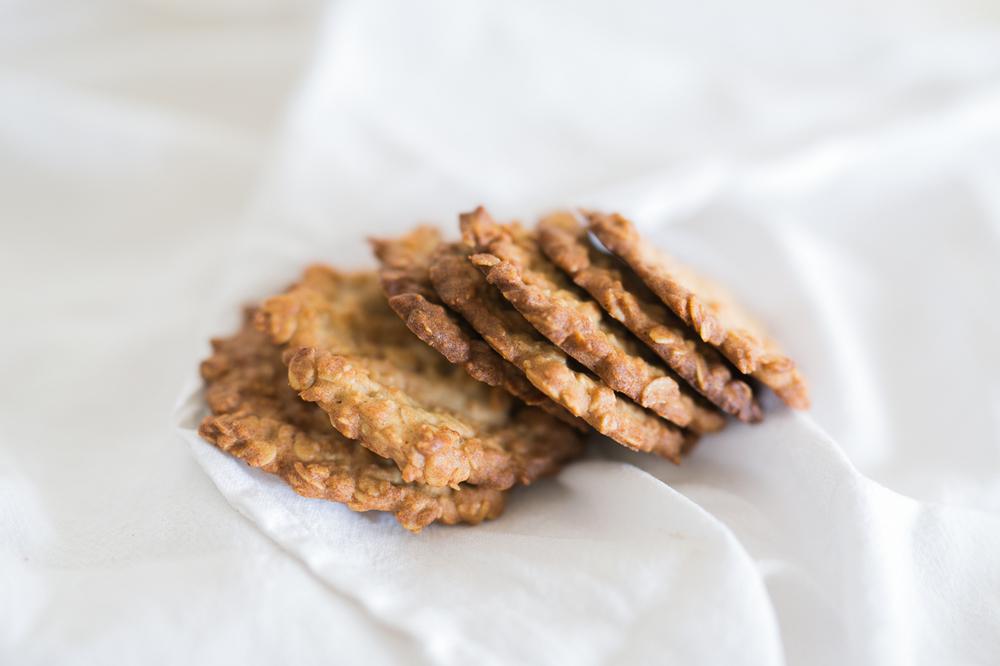 gluten-free-oat-thins-3