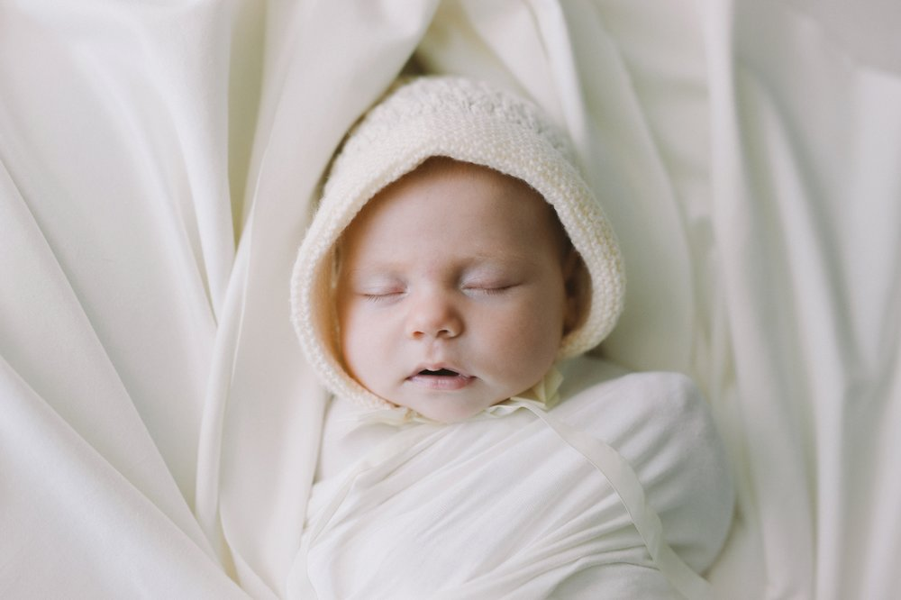 Lily - Natural newborn photography in Adelaide - Modern and simple newborn photography - www.katherineschultzphotography.com