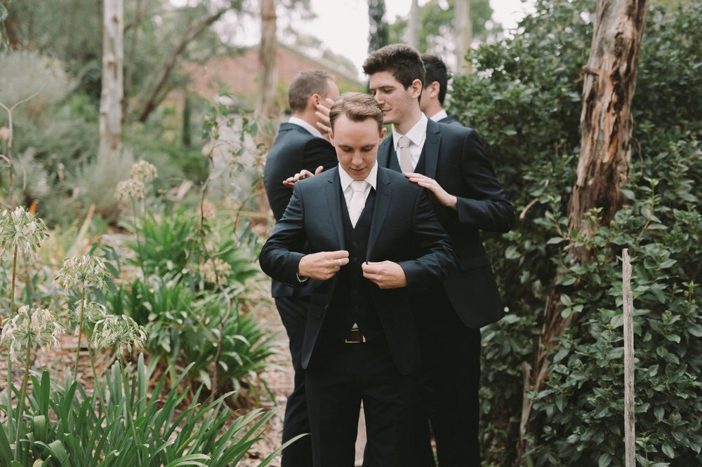 Jasmine and Adam - Natural wedding photographer in Adelaide - Candid Wedding Photographer Adelaide - www.katherineschultzphotography.com 4