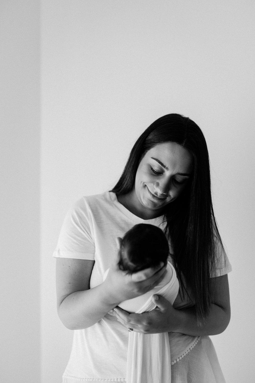 Baby Willa - Natural light newborn photographer in Adelaide - Natural newborn photography in Adelaide - Simple newborn photography - Katherine Schultz - www.katherineschultzphotography.com 2