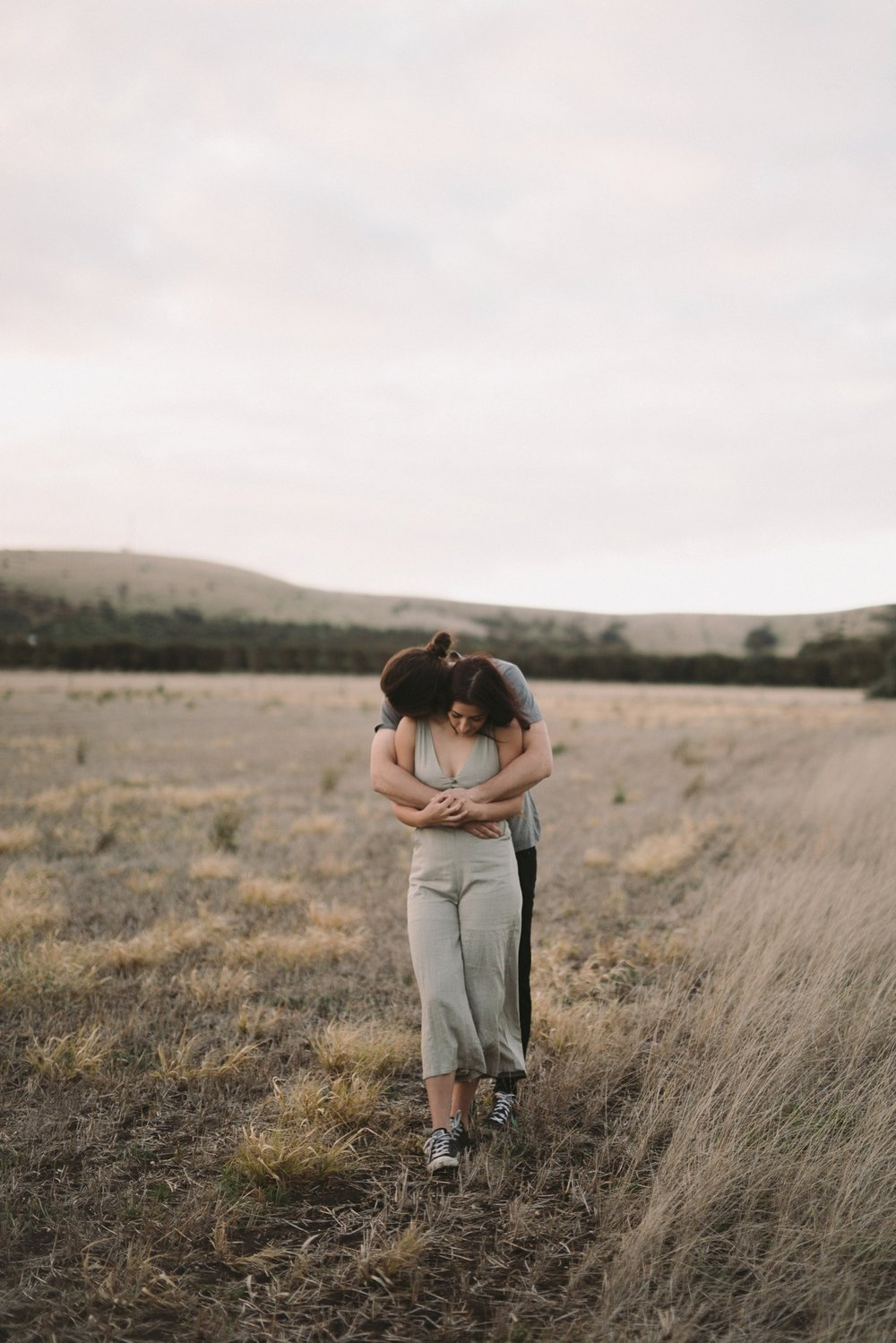 Hannah & Luke -- Natural Photographer in Adelaide - Simple portrait photographer in Adelaide - Katherine Schultz