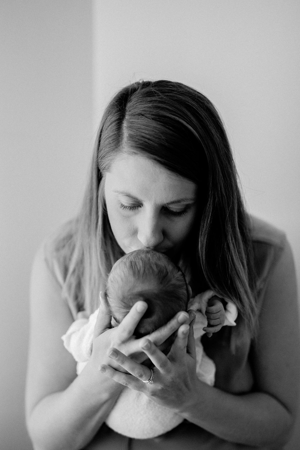 Baby Amelia - Natural Newborn Photography in Adelaide - Simple Newborn Photography - Beautiful Newborn Photography - Katherine Schultz - www.katherineschultzphotography.com_0018.jpg