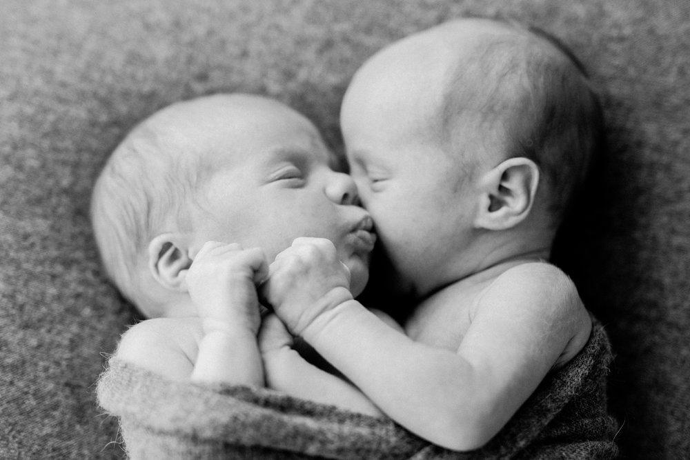 Fred & Otis - Twin Newborn Photographer - Natural Newborn Photographer in Adelaide - Simple, modern & beautiful newborn photography - Katherine Schultz - www.katherineschultzphotography.com_0018.jpg