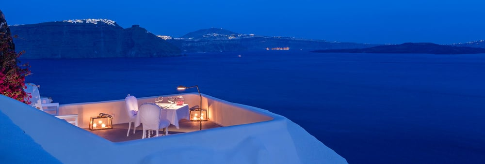 Canaves-Oia-Luxury-Suites-31.jpg