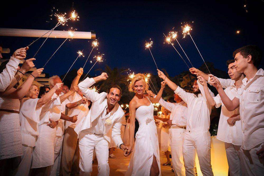 santorini-wedding-photographer-greece-098-1950x1300.jpg