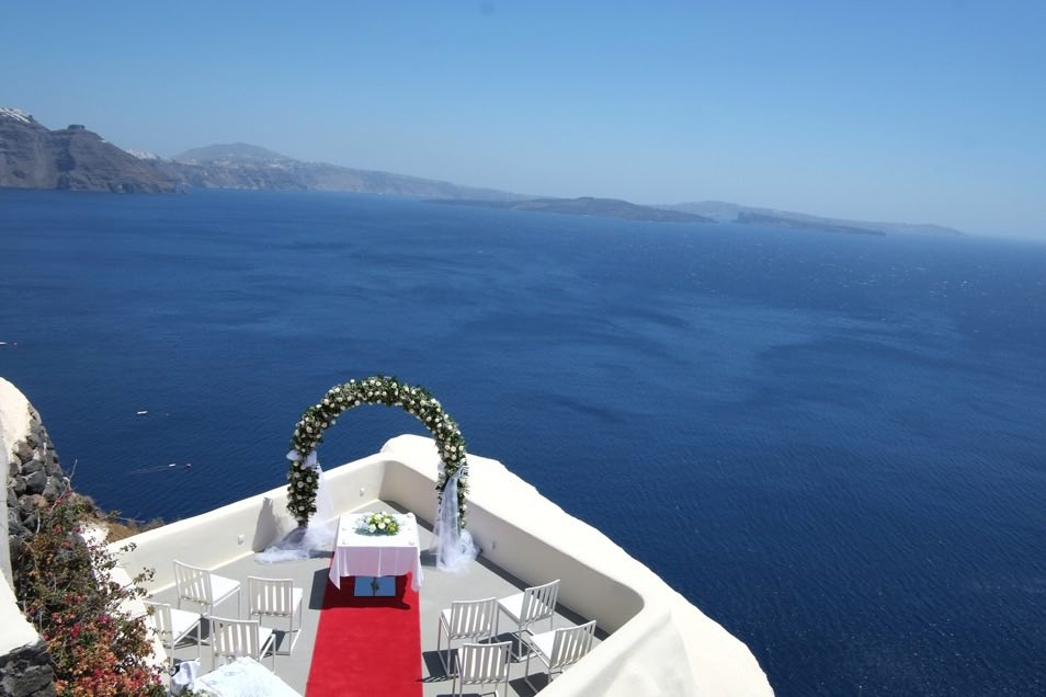 canaves_oia_suites_wedding.jpg