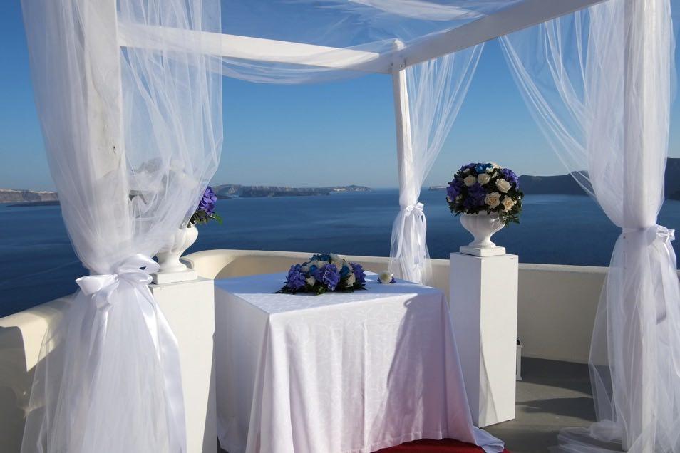 canaves_oia_suites_weddings-20.jpg