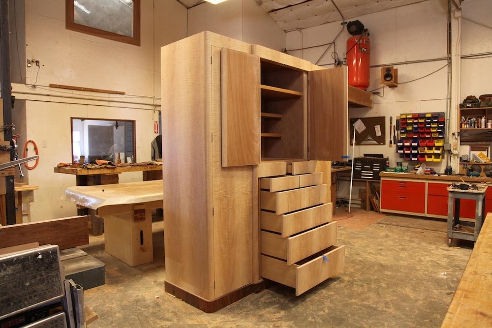 CabinetShop2.jpg