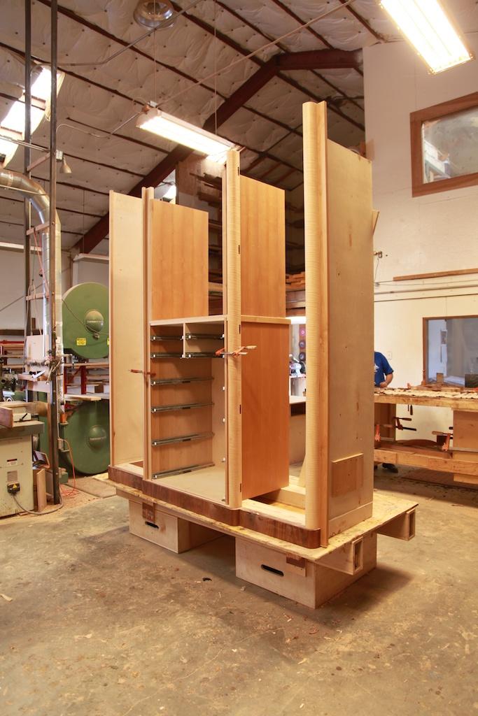 CabinetShop1.jpg