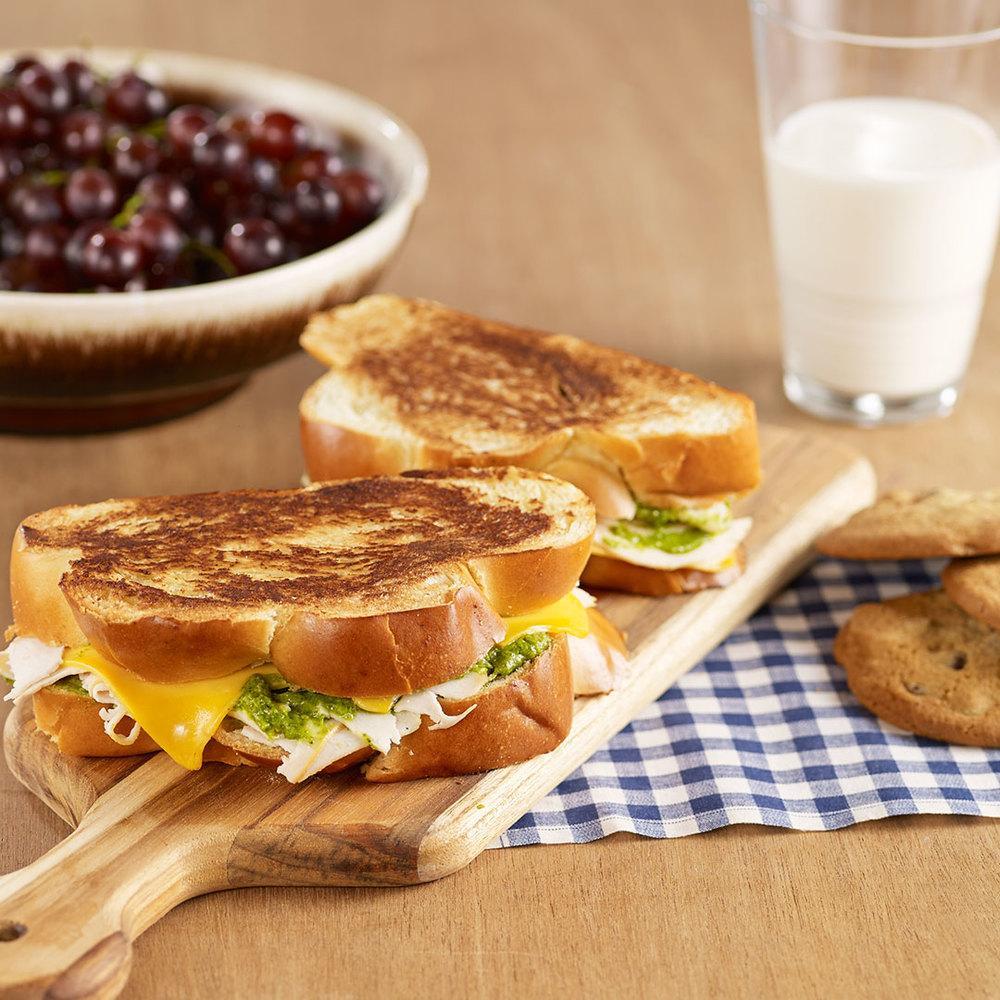Grilled_Chicken_Cheese_Pesto_Sandwich.jpg