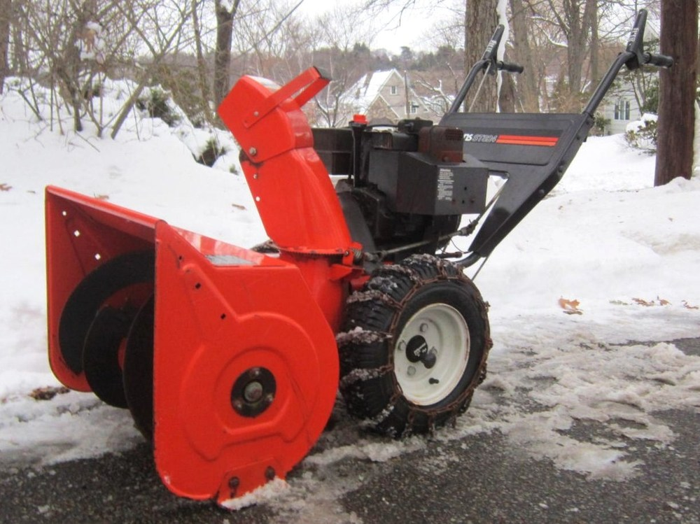 article 24 more snow blower recommendations jay 39 s power equipment. Black Bedroom Furniture Sets. Home Design Ideas