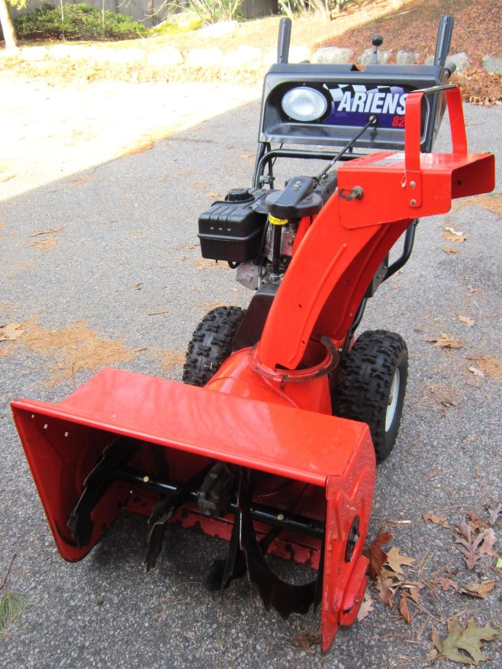 Early-2000s Ariens 824 Classic #932101