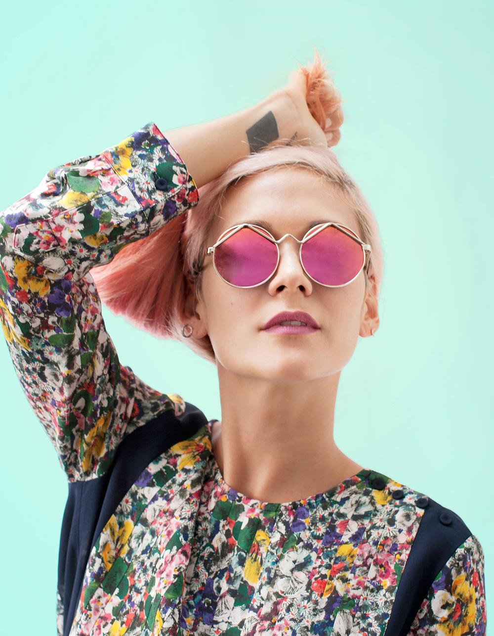 Le-Specs-Sunglasses-Maison-Mittweg-Fashion-Pink