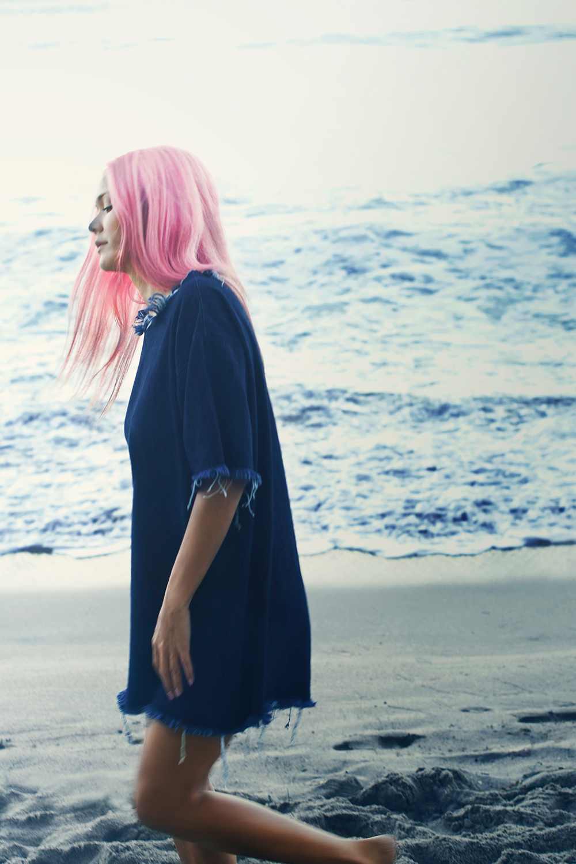 Maison-Mittweg-Cynthia-Mittweg-Marques-Almeida-Paradise-Cove-Beach-Malibu-Blue