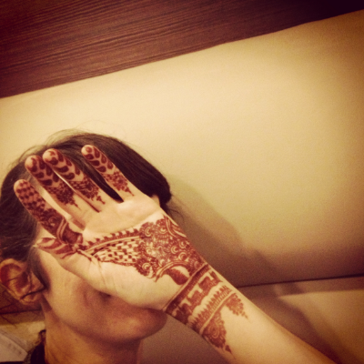 After many business meetings around town and scoping out new materials to use for JOYN, we got the most beautiful henna I've ever had. The guys we went to  were so detailed. I'm sure I had the fanciest hand in Delhi.