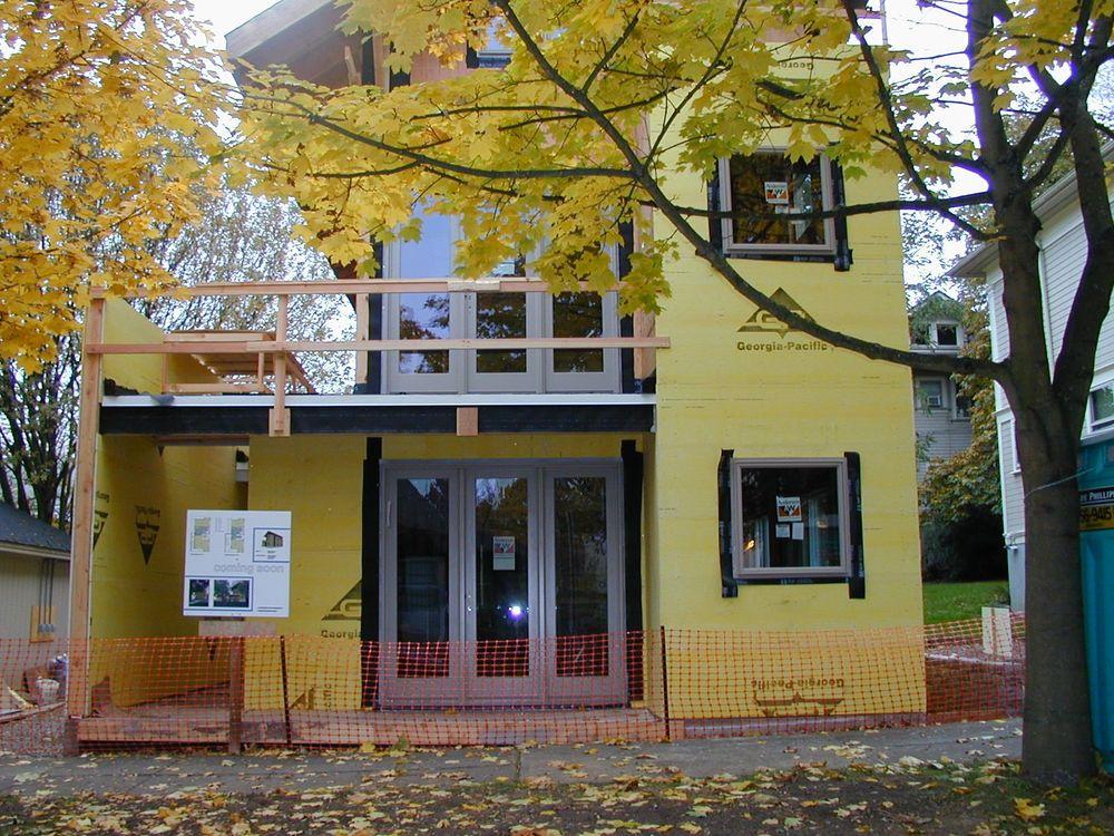 2003 Q4 Duplex Outside13.jpg