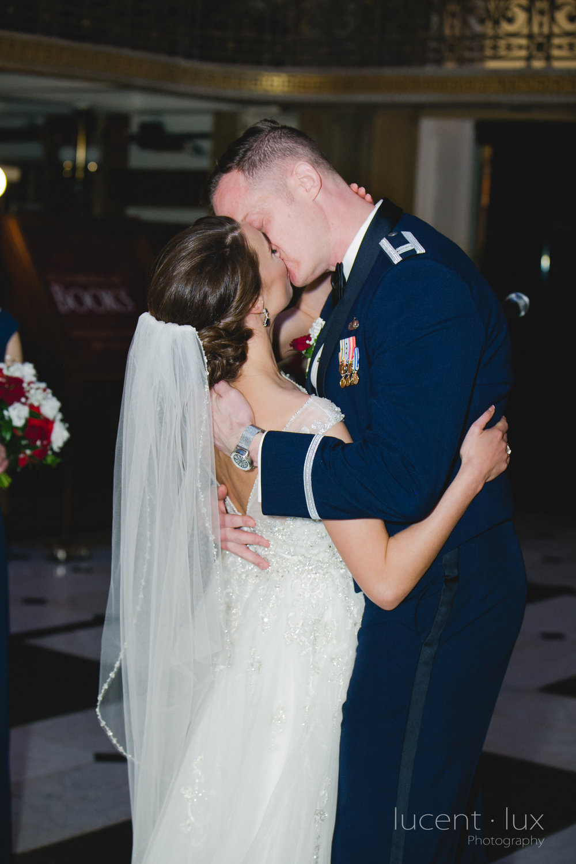 Peabody-Library-Wedding-Photography-Baltimore-Maryland-Wedding-Photographers-Balitmore-Maryland-154.jpg