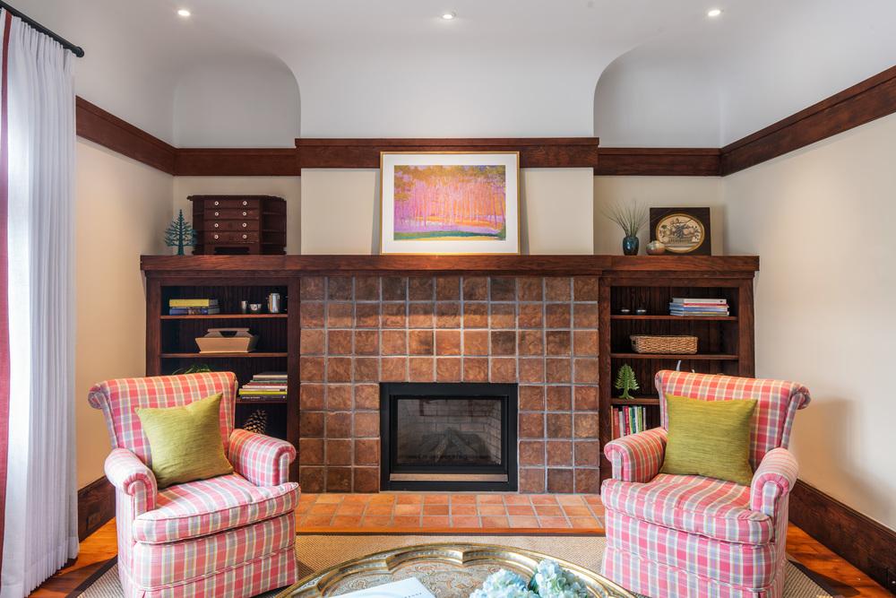 160114_Eisenman_Arch_Merced_Living_Fireplace.jpg