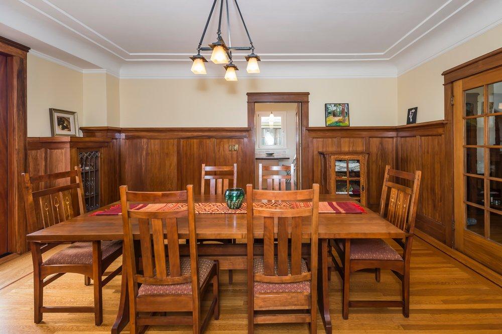 dining-5.jpg